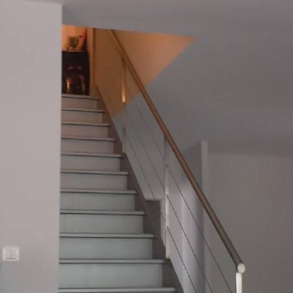 rampe moderne aix en provence la petite forge. Black Bedroom Furniture Sets. Home Design Ideas